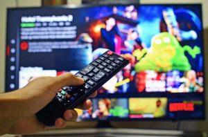 Włączanie telewizora